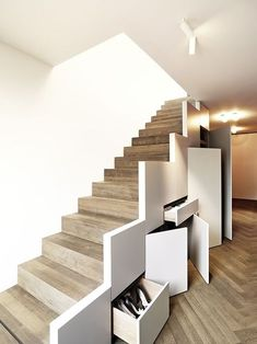 the roofs of Munich // 2014 «Schmöller Architekten - .above the roofs of Munich // 2014 «Schmöller Architekten - . Staircase Storage, Stair Storage, Staircase Design, Stairs With Storage, Stair Design, Interior Stairs, Apartment Interior Design, Interior Design Living Room, Stairs In Living Room