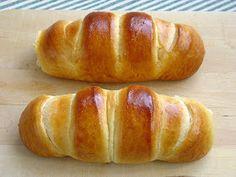 Esta receta de espirales de brioche es del último libro que se ha incorporado recientemente en mi biblioteca gastronómica, Bollería  de Xav...
