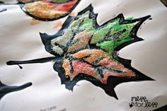 Mariah has a round up of 17 Fall leaf crafts for kids so you can bring the colors of the outdoors into your home. Get them raking leaves and get started! Autumn Leaves Craft, Autumn Crafts, Autumn Art, Autumn Theme, Fall Leaves, K Crafts, Leaf Crafts, Cute Crafts, Crafts For Kids