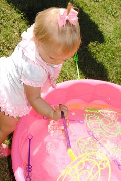 Bubble Tub- Pool from Toys-R-Us Bubble wands Soap and water Bubble Wands, Messy Play, Toys R Us, Kids Health, Health And Safety, Fun Activities, 2nd Birthday, First Birthdays, Tub