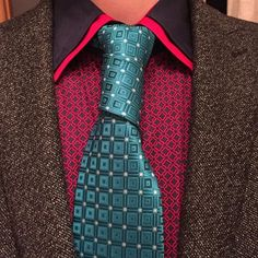 Dressed for Success with this Floating Spiral necktie knot!