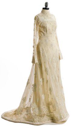 Priscilla of Boston wedding dress ca. 1970