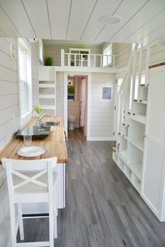 Best home design small spaces tiny house Ideas Best Tiny House, Tiny House Cabin, Tiny House Plans, Tiny House On Wheels, Tiny Cabins, Cottage House, Cabin Homes, Small Room Design, Tiny House Design