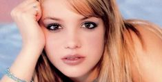 Look at the pictures of these famous actors, singers and stars from the and and see if you can remember their names. Knowledge Quiz, Ali Larter, Famous Singers, Sylvester Stallone, Rachel Mcadams, Justin Timberlake, Bradley Cooper, Christina Hendricks, Shakira
