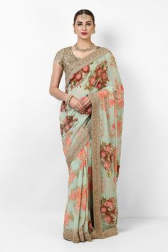 What does that beautiful Sabyasachi Saree Cost? I know I have which is why every time Sabyasachi launches a new collection, I start hunting for Sabyasachi Saree Cost in a frenzy. Ritu Kumar Saree, Sabyasachi Sarees Price, Floral Print Sarees, Printed Sarees, Indische Sarees, Saree Trends, Elegant Saree, Indian Designer Wear, Indian Designers
