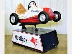 Auburn Fall - Automobilia - Saturday Prices - 56 Auction Price Results - RM Auctions / RM Sotheby's in IN Sprint Cars, Race Cars, Scooter Custom, Car Furniture, Vintage Race Car, Pedal Cars, Antique Toys, Old Toys, Vintage Photos