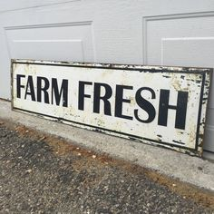 Farmhouse 'Farm Fresh' Sign | BelloLane.com