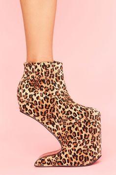 crazy shoes I think.??????