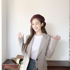 jazz up a simple outfit with a printed blazer Young Fashion, Asian Fashion, Women's Fashion, Korean Actresses, Korean Actors, Dresses For Less, Nice Dresses, Park Min Young, Lucky Ladies