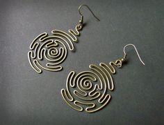 Spirale labyrinthe fil enveloppé boucles d'oreilles en par Hvitolg
