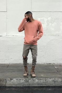 Men's fall outfit with dusty salmon and army green