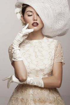 Glamour on We Heart It White Photography, Fashion Photography, Make Up Braut, Foto Fashion, Dress Fashion, Beauty And Fashion, Crazy Fashion, Braut Make-up, Love Hat