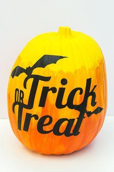 DIY Vinyl Trick or Treat Ombre Pumpkin   Sarah Hearts