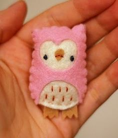 crochet Smart phone cover vintage crochet by Anabelia felt owl Crochet Owl Cell Phone Cover So true Owl Crafts, Diy And Crafts, Crafts For Kids, Arts And Crafts, Crafty Projects, Sewing Projects, Felt Projects, Knitting Projects, Felt Owls