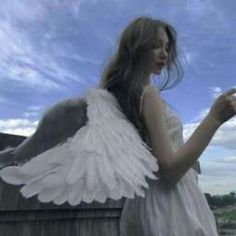 take an angel by the wings 🎐 Angel Aesthetic, White Aesthetic, Aesthetic Girl, Different Aesthetics, Photocollage, Princess Aesthetic, Jolie Photo, Halloween Kostüm, Ulzzang Girl