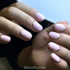 Ready for a collection that's full of edgy, cool and simple nail art designs? It's perfect time to refresh your current nail design. Gel Nail Art Designs, Simple Nail Art Designs, Easy Nail Art, Simple Nails, Gel Nails, Finger Nails, Plain Nails, Gel Nail, Easy Nails