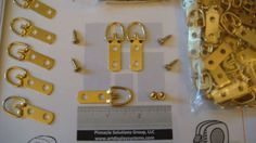 20-BRASS-PLATED-2-HOLE-D-RING-PICTURE-FRAME-HANGERS-50-6-1-2-SCREWS-SAMPLES