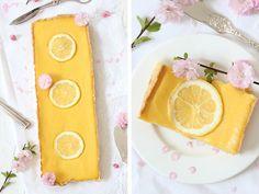 Ist es nicht einfach nur köstlich, in eine leckere Tarte zu beißen, die mit einerfluffigen Zitronencreme gefüllt ist? Diese Zitronentarte schmeckt erfrischend, zitronig und ist ein cremig, also ein knuspriges Leckerchen zum Frühlingstee, Käffchen oder einer fruchtigen und kühlen Limonade.