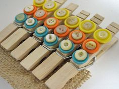 #button decorated clothespins- easy #diy gift - could make into magnets