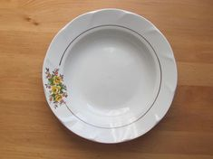 """Soviet Vintage Plate; Riga Porcelain Factory Soup Plate; Classic White Plate with Floral Pattern; 9.5""""/ 24cm Large Dinner Plate made in Riga"""