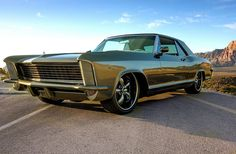 Most importantly in regards to muscle cars produce more power. Sold at a reasonable price, muscle cars are meant for street use and occasional drag racing. Retro Cars, Vintage Cars, Antique Cars, 1965 Buick Riviera, Buick Cars, Car Hd, Sweet Cars, Us Cars, American Muscle Cars