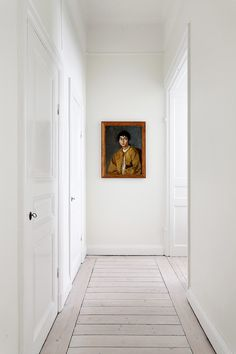 ANCIENT PORTRAITS IN MODERN INTERIORS