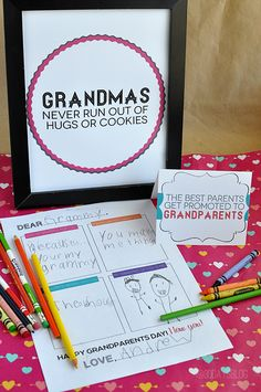 Celebrate Grandparents Day with 3 Fun Printables Grandparents Day Cards, Labor Day Crafts, Activities For Kids, Crafts For Kids, Grandparent Gifts, Mother And Father, Mothers, In Kindergarten, Creative Gifts