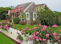 gardening with pots Spring cottage garden. Nantucket english cottage garden borders The Stone Path