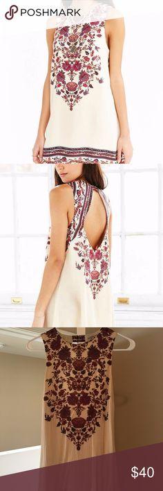UO Ecote Open-Back Frock Dress Urban Outfitters Ecote Guinevere Open-Back Frock Dress  Cream/Floral  Size Small Ecote Dresses Mini