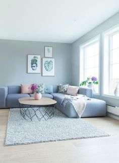 Interior Living Room Design Trends for 2019 - Interior Design Living Room Color Schemes, Living Room Colors, Living Room Grey, Living Room Modern, Rugs In Living Room, Room Rugs, Room Interior, Interior Design Living Room, Living Room Designs
