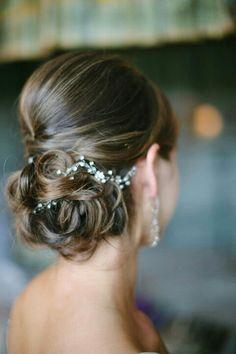 「 ~結婚式ヘアスタイル、花冠以外のお花の使い方⑱~ 」の画像|~大人かわいいウェディング作り~|Ameba (アメーバ)