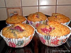 Mosolygós málnás muffin - teljes kiőrlésű, cukormentes Healthy Diet Snacks, Healthy Diet Plans, Lowest Carb Bread Recipe, Low Carb Bread, Raw Chocolate, Chocolate Peanut Butter, Reading Food Labels, Gluten Free Oats, Natural Peanut Butter