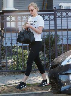 Jennifer Lawrence leaving a friends House in LA, 02/04/16