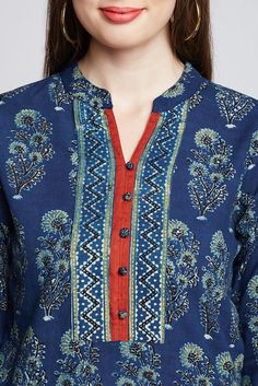 Kurtha Designs, Chudidhar Neck Designs, Neck Designs For Suits, Neckline Designs, Dress Neck Designs, Blouse Designs, Silk Kurti Designs, Kurta Designs Women, Kurti Designs Party Wear
