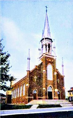 Église St-Jean de Brébeuf sur le Boulevard Saint-Joseph à Roberval Saint Joseph, Notre Dame, Building, Historical Pictures, Antique Pictures, City, San Jose, Buildings, Construction
