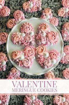 Valentine Desserts, Valentines Day Food, Valentine Cookies, Valentine Heart, Meringue Cookie Recipe, Meringue Desserts, Cookie Recipes, Dessert Recipes, Meringue Cake