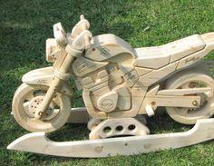 Wir lieben dieses originalgetreue Schaukel-Motorrad! :D Geht es Euch auch so? Dann findet Ihr hier die Anleitung zum Nachbauen. We just love this wooden replica-motorbike! :D #makeityourhome #bosch