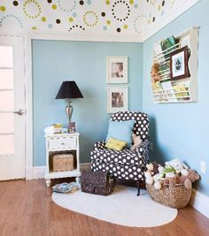 Frugal with a Flourish: Creative Paint Ideas for Baby's Room {by Colleen @ Mural Maker & More}