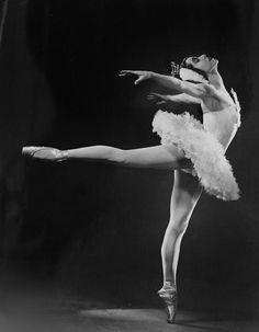 Anna Pavlova, Diaghilev's Ballets Russes'