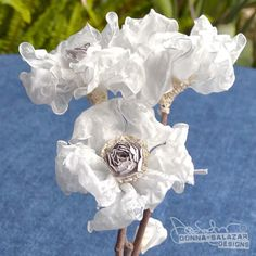 Watch this video to learn Donna's brand new Organza Flower technique. #Spellbinders #ScrapbookAdhesivesBy3L® #DonnaSalazarDesigns®