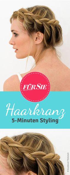 Ein geflochtener Haarkranz lässt sich leicht selbst machen und ist absolut…