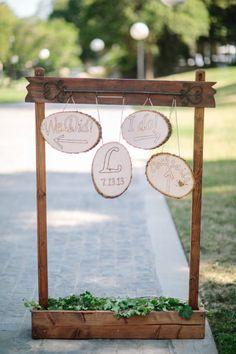 Wood wedding sign: http://www.stylemepretty.com/2013/11/01/pasadena-wedding-from-troy-grover-photog/ | Photography: Troy Grover - http://troygrover.com/