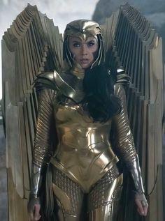wonder woman golden armor - Búsqueda de Google Image C, New Image, Gal Gadot, Wonder Woman, Black Adam Shazam, Diana, Justice League Aquaman, Golden Warriors, New Instagram