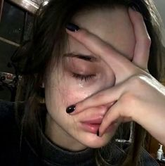 40 Trendy Ideas For Photography Sad Girl People Crying Aesthetic, Aesthetic Grunge, Aesthetic Girl, Gothic Aesthetic, Maquillage Normal, Flipagram Instagram, Tumbrl Girls, Crying Girl, Pretty People