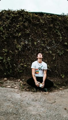 Discover recipes, home ideas, style inspiration and other ideas to try. Shawn Mendes Memes, Shawn Mendes Lindo, Shawn Mendes Cute, Canadian Boys, Shawn Mendes Wallpaper, Mendes Army, Jack Johnson, Magcon Boys, Celebrity Crush