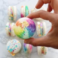 Amazing Food Videos, Macaroon Cookies, Twisted Recipes, Buzzfeed Tasty, Macaroon Recipes, Rainbow Food, Fun Baking Recipes, Tiny Food, Cake Decorating Techniques