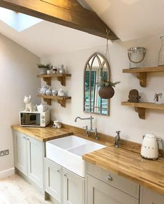 How to repair and protect wooden worktops using Fiddes Hard Wax Oil. Interior Exterior, Kitchen Interior, Kitchen Decor, Cottage Kitchens, Home Kitchens, Open Plan Kitchen, New Kitchen, Wooden Worktop Kitchen, Farmhouse Style Kitchen