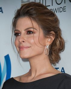 Maria Menounos Photos: 25th Annual GLAAD Media Awards - Arrivals  My all time fav updo