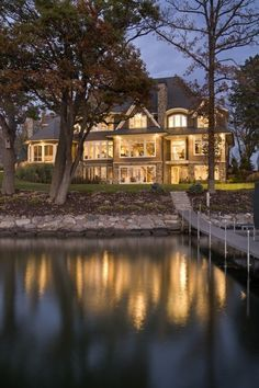 Lakefront home. I'd love to live in a house like that one day.