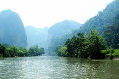 Hồ Ba Bể - Vietnam  pystravel.com